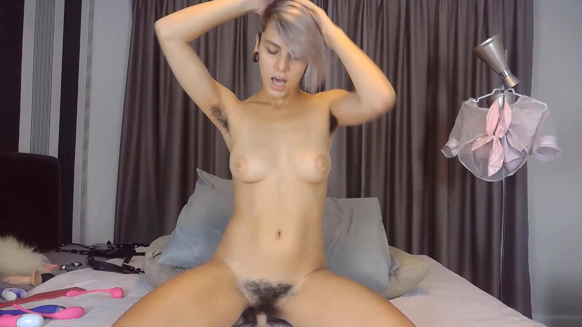 Short haired Fluffy Helga banged her hairy cunt
